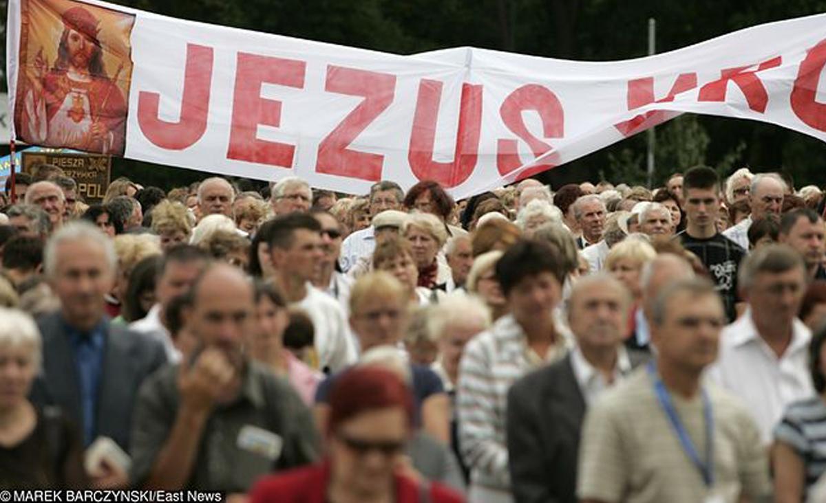 Skandal na pielgrzymce do Częstochowy. Katolicka sekta poluje na bogatych
