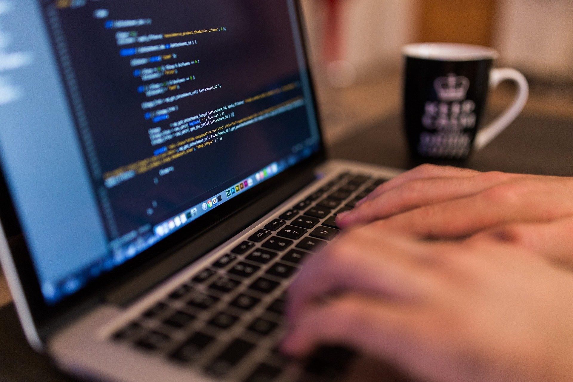 Kradzież tożsamości w Internecie czeka na każdym kroku.